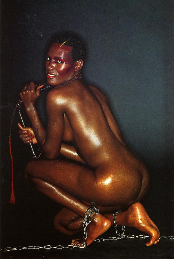 Грейс джонс фото голая