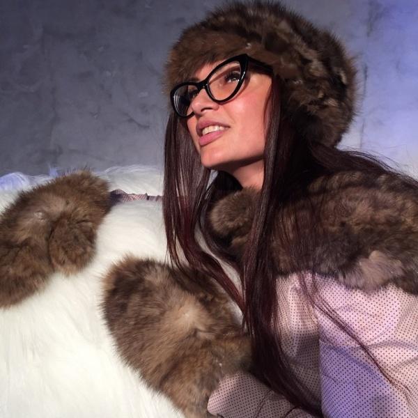 фото эвелина бледанс в шубах мехах фото красивые немки покажут