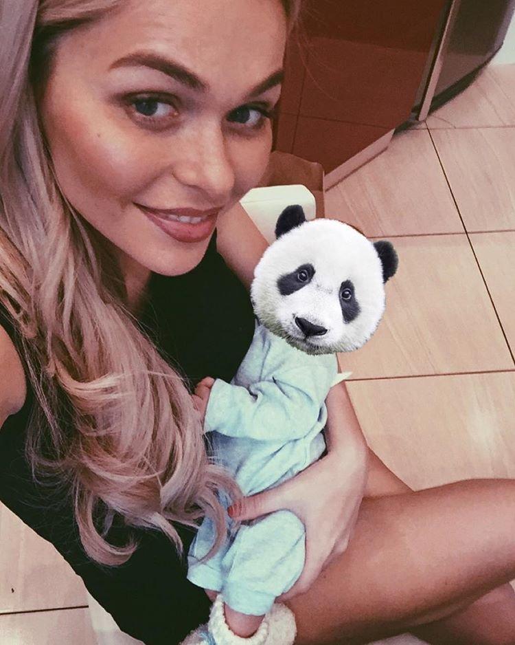 Анна Хилькевич показала фото своего новорожденного ребенка