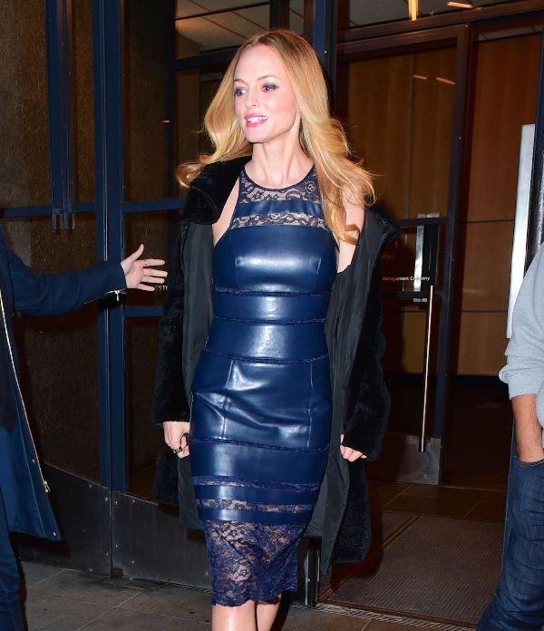Хизер Грэм одела тренд сезона - кожанное платье!