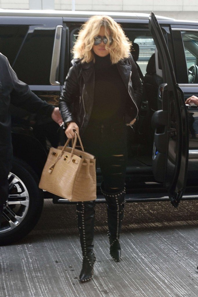 Хлоя Кардашьян засветилась в аэропорту Нью-Йорка