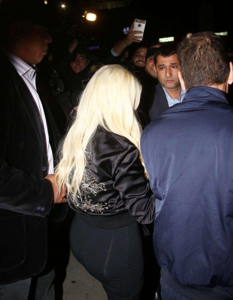 Кристина Агилера засветилась в ночном клубе Голливуда