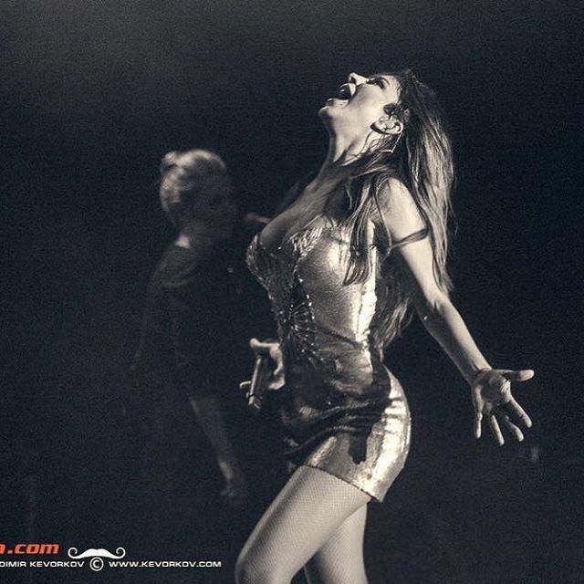 Золотой образ Ани Лорак на концерте в Нью-Йорке