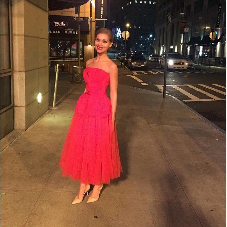 Кристина Асмус о своем необычном красном платье на Новый 2016 год