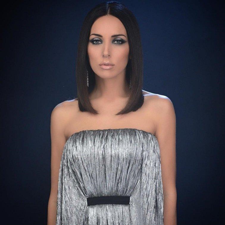 Алсу закончила съемки нового клипа в изумительном серебряном платье