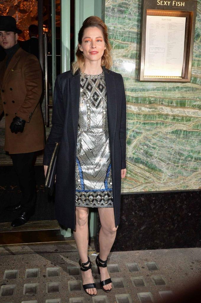 Сиенна Гиллори пришла на ужин в блестящем платье