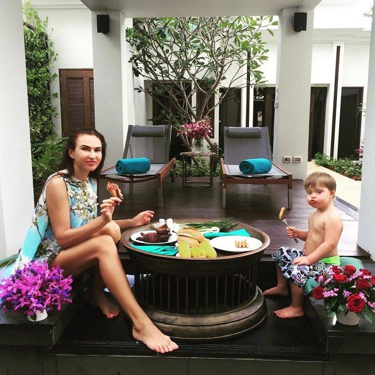 Эвелина Бледанс отказалась от строгой диеты из-за своего сына