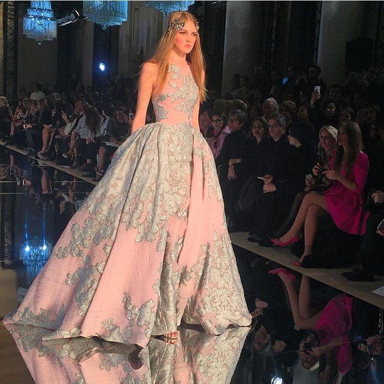 Фото показ выпускных платьев - Модадром 1769f594fb0