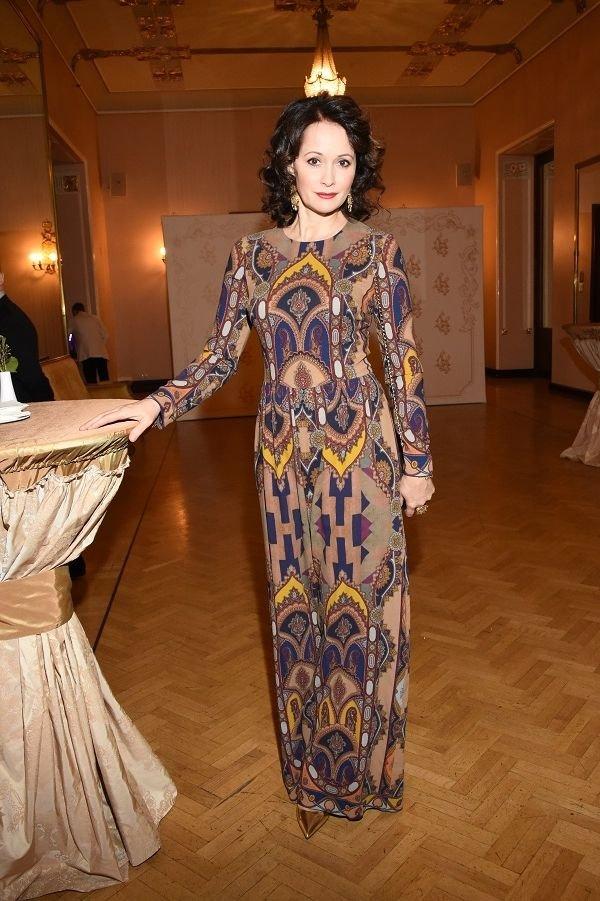 bc43a8aa760 Ольга Кабо надела платье с принтом на торжество в Метрополе » Звёзды.ru