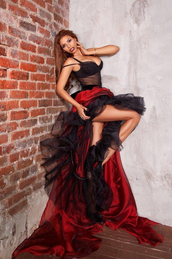 Певица Габриэлла откровенно поведала о своей творческой и личной жизни