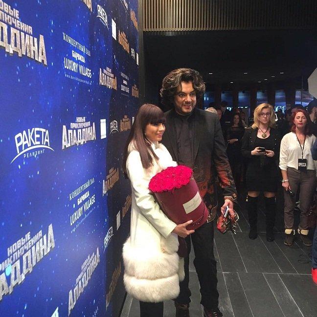 Нелли Ермолаева в потрясающем наряде на пресс-показе нового фильма