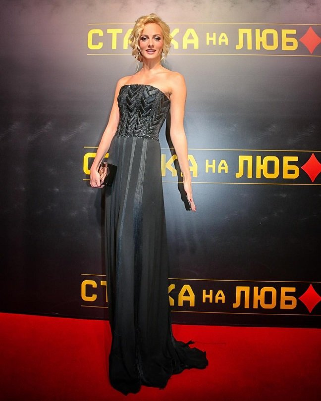 """Потрясающая Полина Максимова на премьера фильма """"Ставка на любовь"""""""