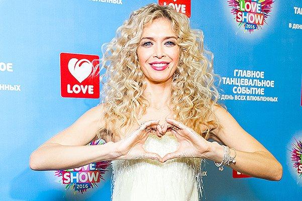 Вера Брежнева показала самый яркий образ на Big Love Show