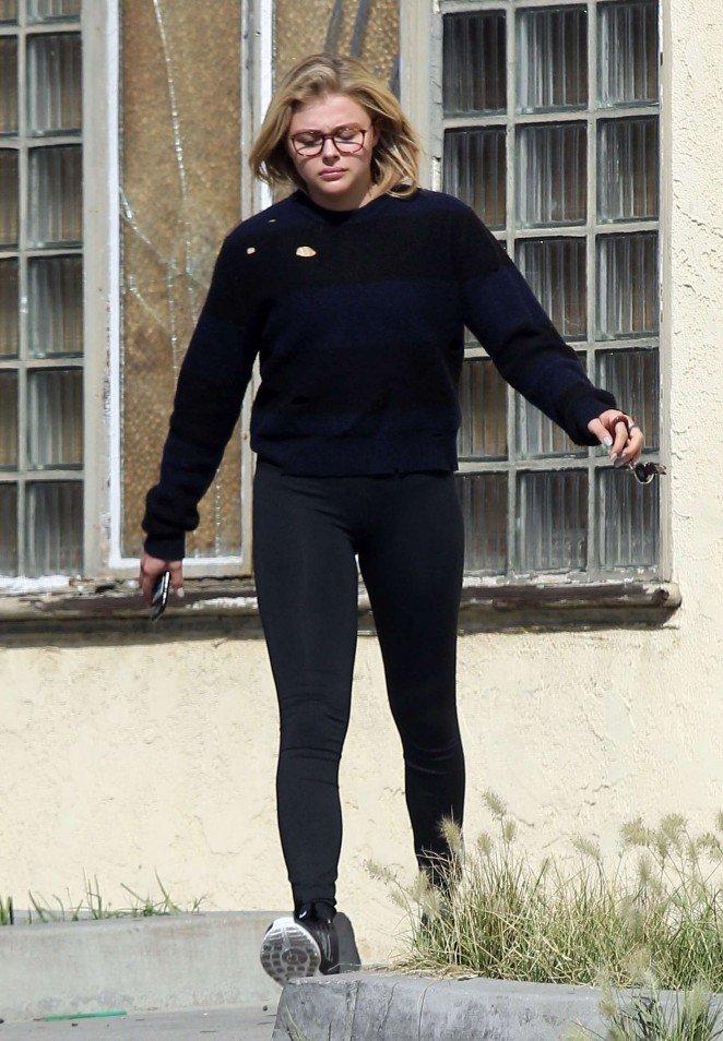 Хлою Морец вновь критикуют поклонники за лишний вес