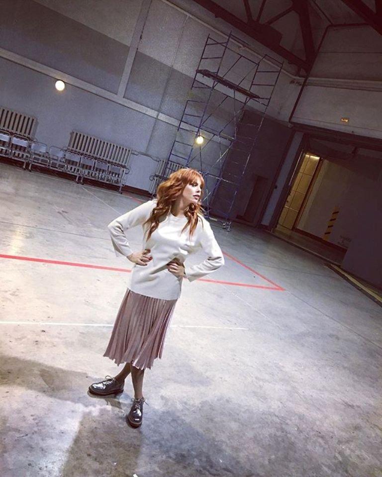 Анастасия Стоцкая выбирает только яркие, необычные платья