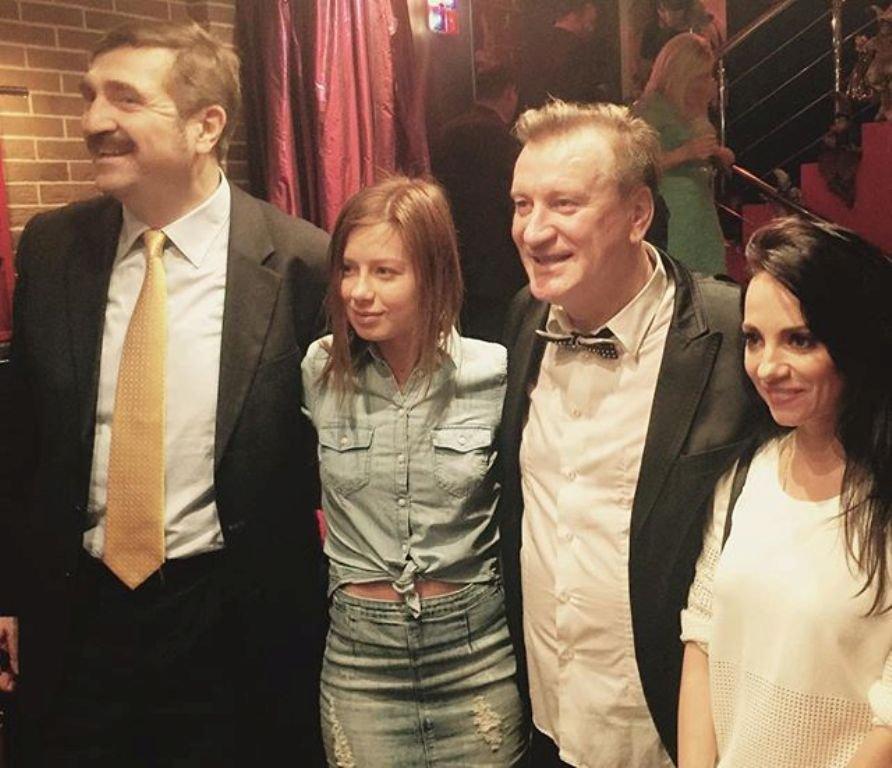 Юлия Савичева всё чаще одевает джинсовую одежду