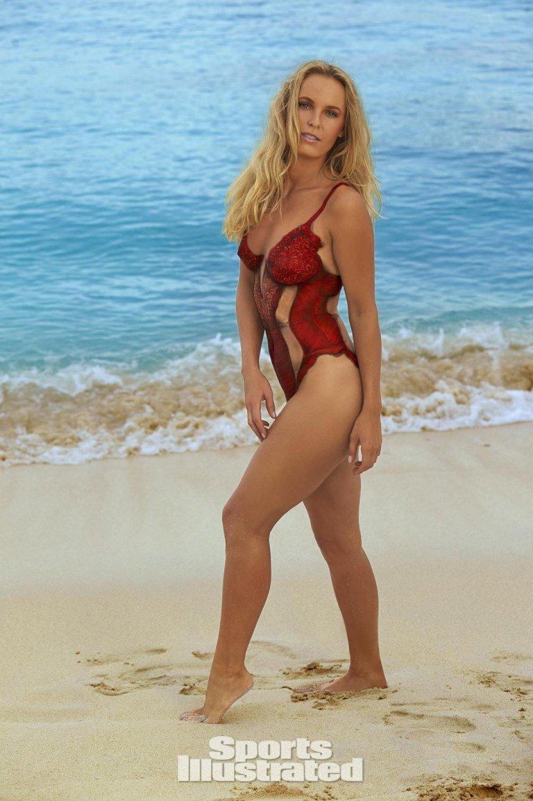 Каролина  Возняцки отказалась от бикини в фотосессии для для SPORTS ILLUSTRATED