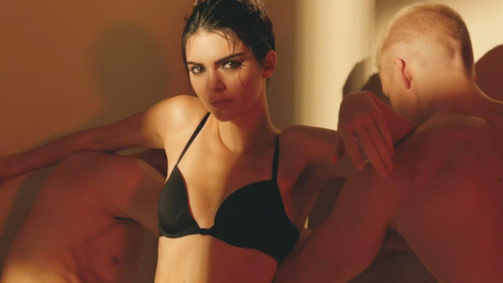 Кендалл Дженнер снялась для новой коллекции Calvin Klein