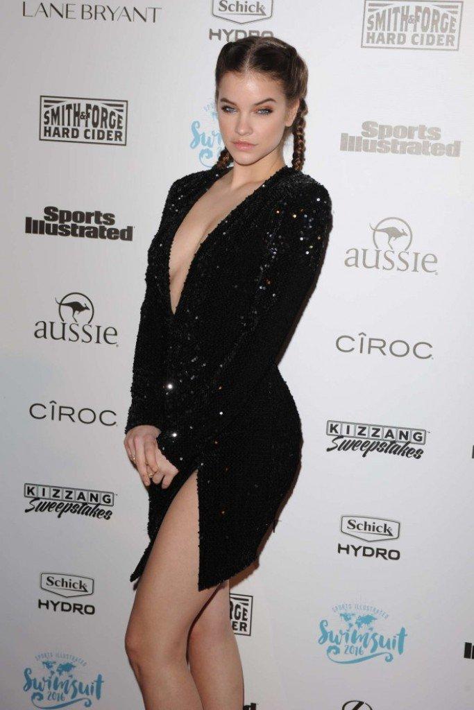 Барбара Палвин одела маленькое, черное платье на модный показ