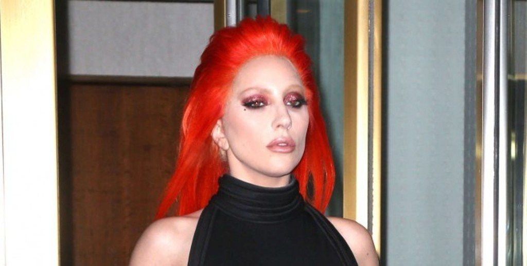 Леди Гага кардинально сменила цвет волос