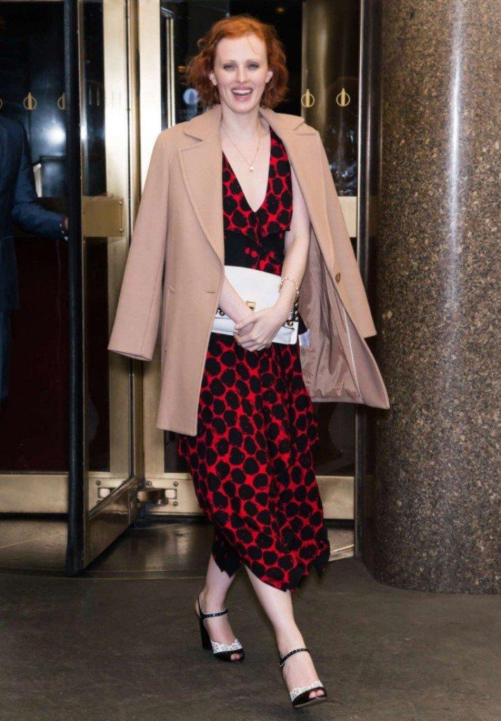 Карен Элсон пришла на вечеринку в очень сдержанном и красивом платье