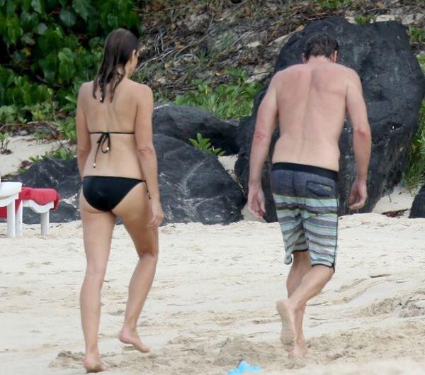 Синди Кроуфорд отметила 50-лений юбилей на пляже в бикини
