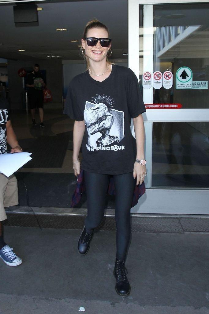 Бехати Принслу показала как выглядеть стильно даже в аэропорту