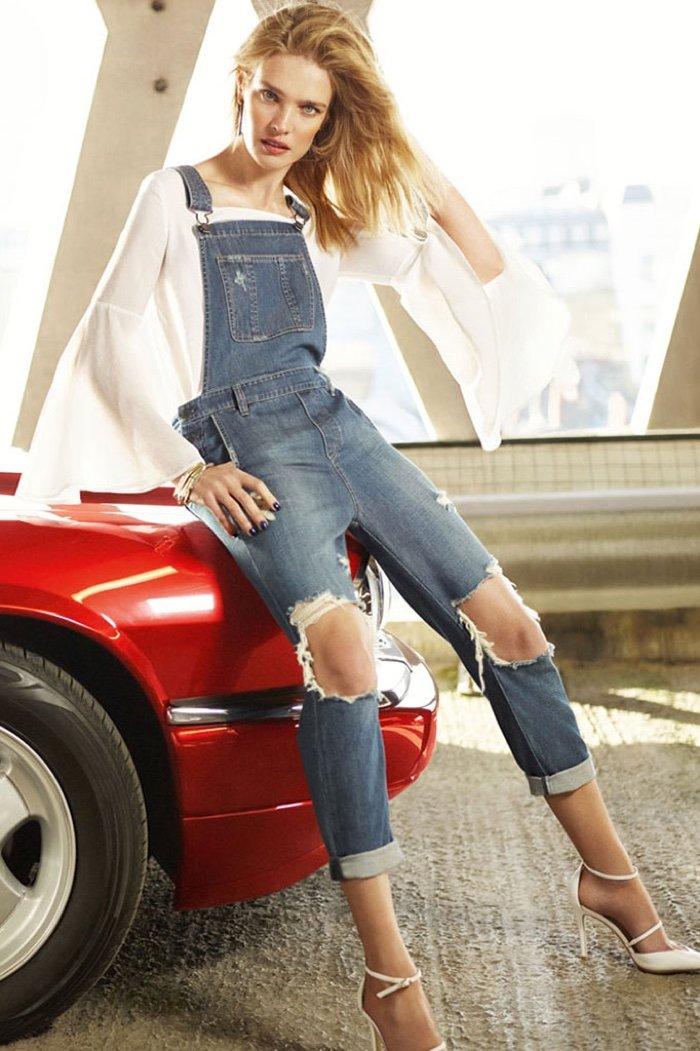 Наталья Водянова в рваных джинсах представила Miss Sixty