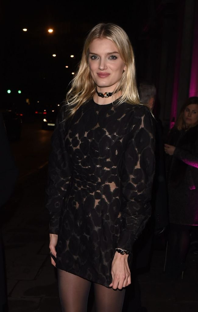 Лили Дональдсон в суперкоротком платье посетила вечеринку