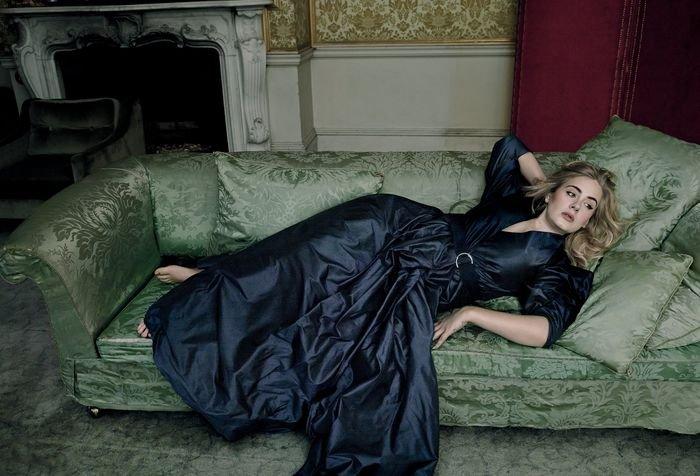 Адель пишет музыку на страницах американского Vogue