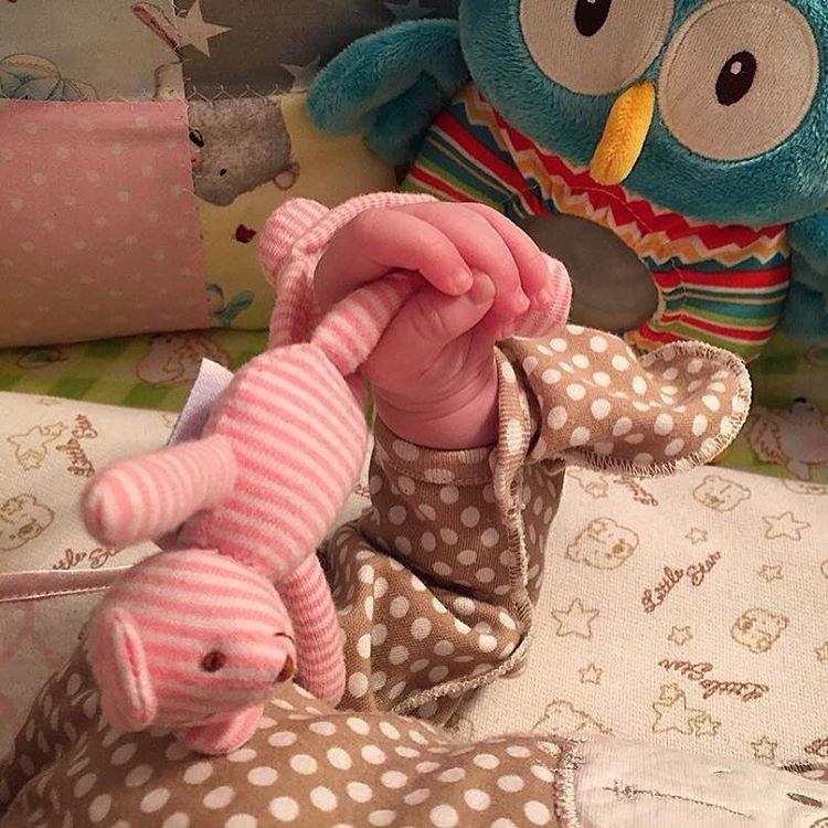 Ксения Бородина выложила фото с первой фотосессии своей младшей дочери