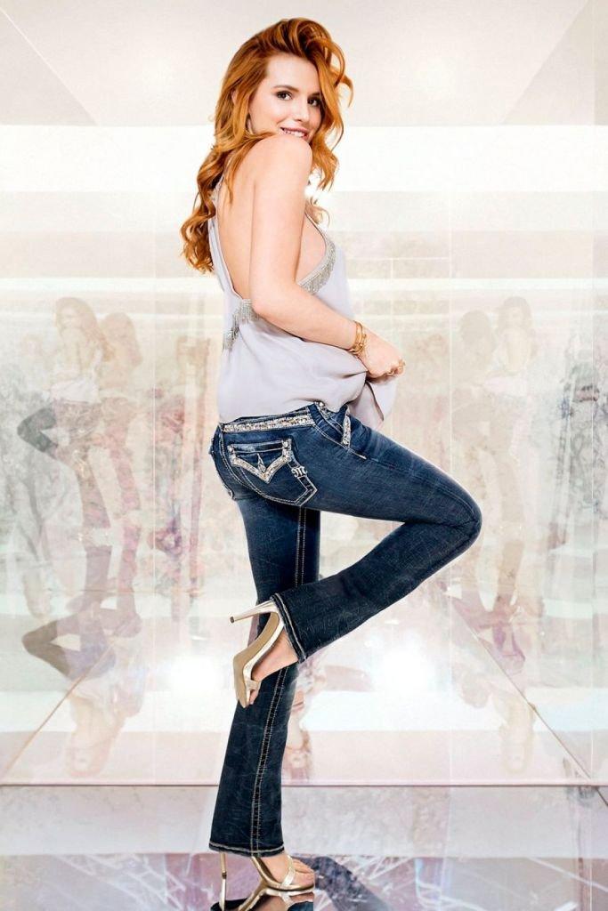 Белла Торн выступила в роли модели в нежном образе