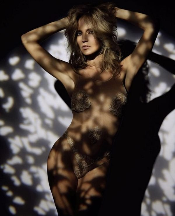 Глюкоза (Наташа Ионова) показала очередной снимок без нижнего белья