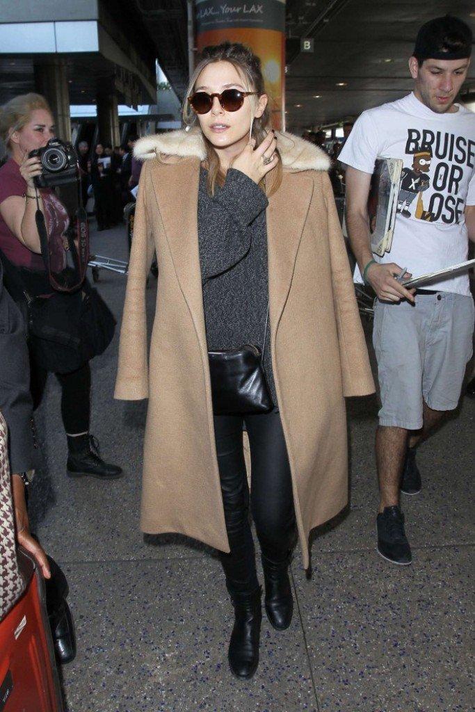 Элизабет Олсен выглядит стильно даже в аэропорту