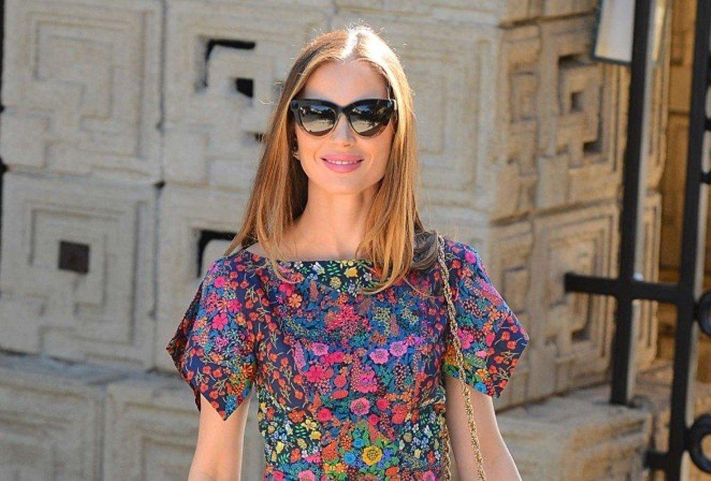 Джорджина Чапман уже примеряет летние платья
