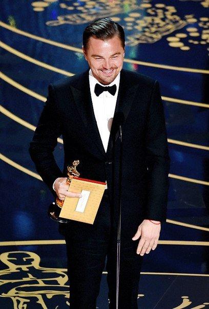 """Леонардо Ди Каприо получил заветный """"Оскар"""""""