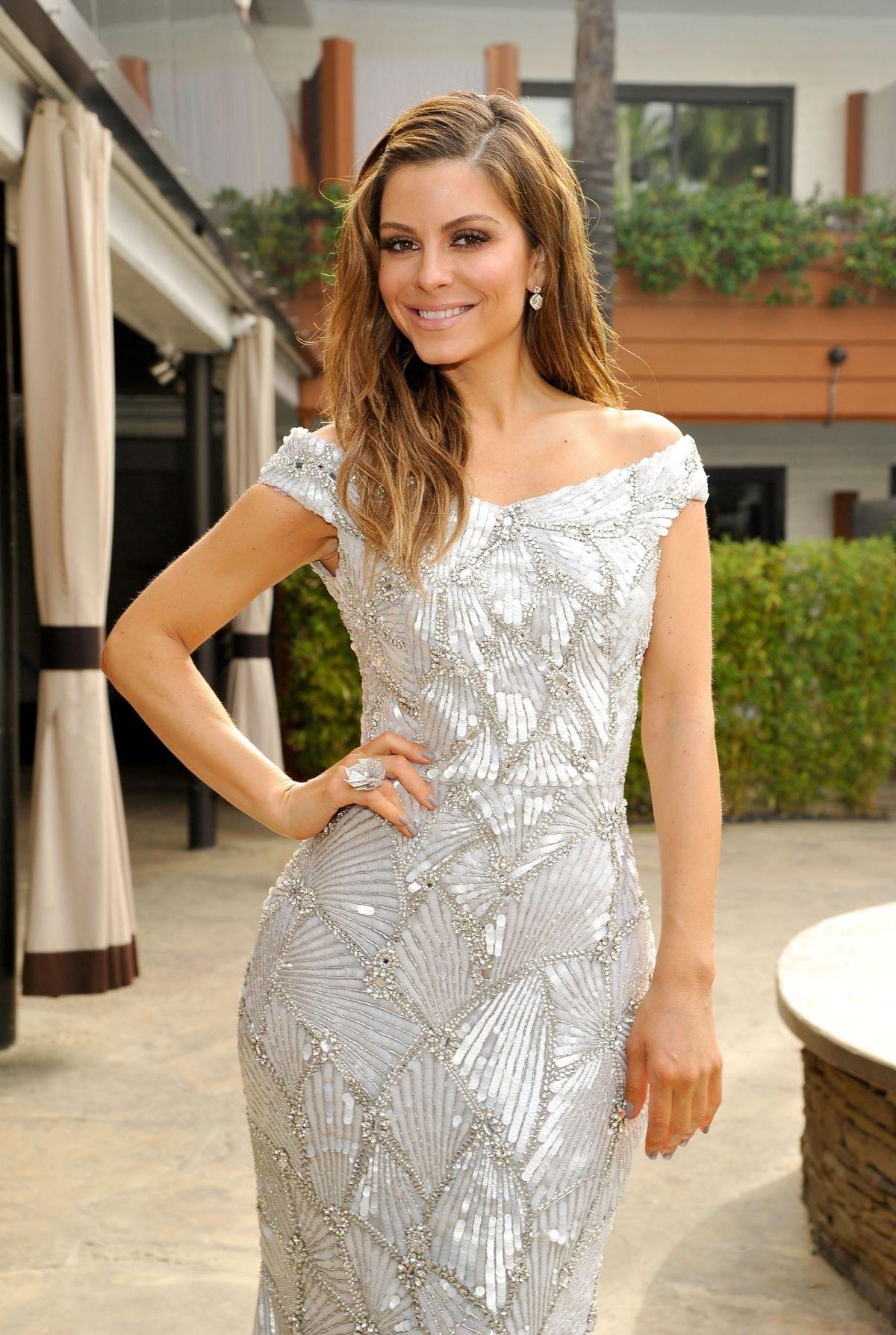 Мария Менунос покорила Голливуд своим зеркальным платьем