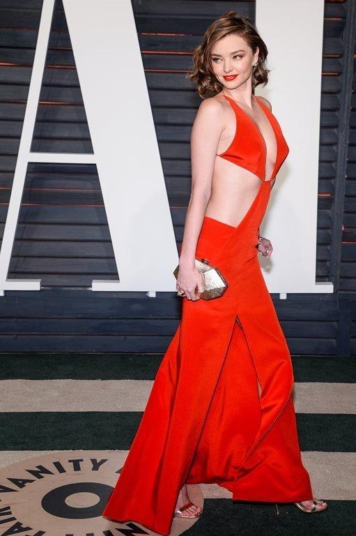Миранда Керр выбрала невероятное платье для вечеринки Vanity Fair
