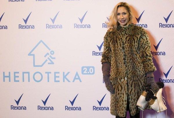 Анастасия Гребенкина устроила мастер-класс на катке для участников акции Непотека