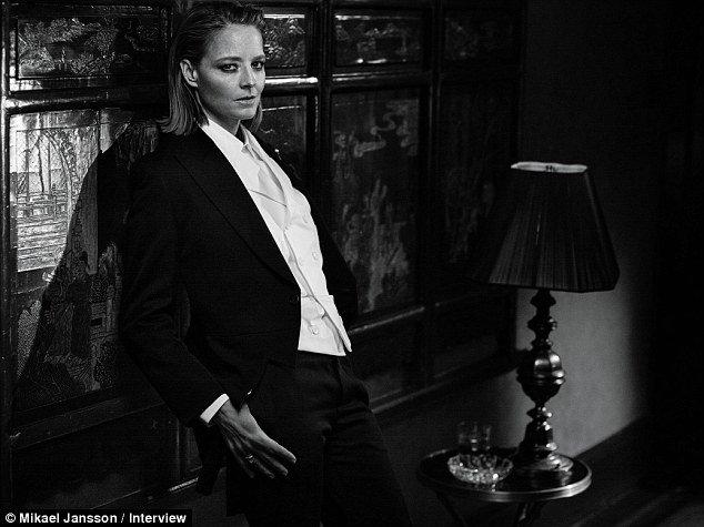 Неподражаемая Джоди Фостер снялась для Interview