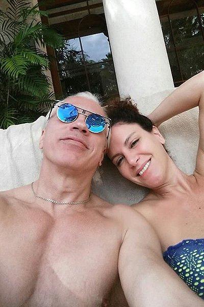 Дмитрий Хворостовский выложил в блог фото с райского отдыха
