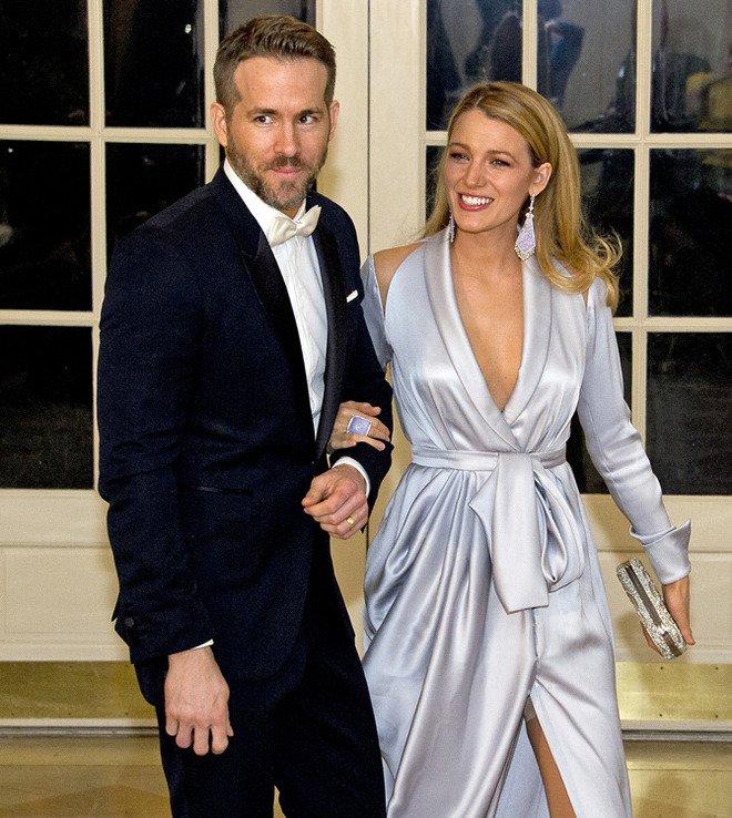 """Блейк Лайвли для приема в Белом доме выбрала """"платье-халат"""""""