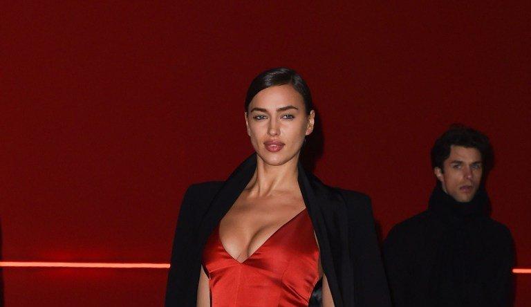 Ирина Шейк покорила всех своим красным платьем