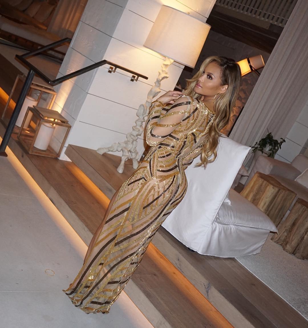 Топ-12 самых эффектных платьев Дафны Джой