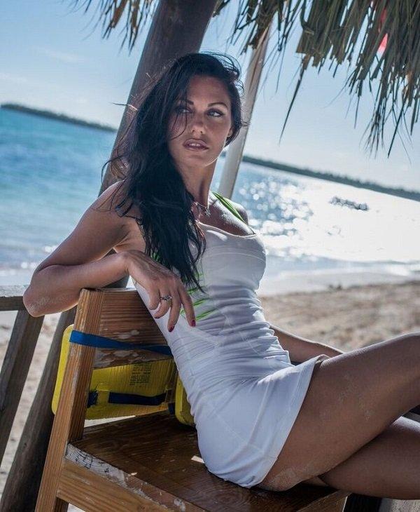 Топ модель Виктория Снисаренко задержала уличного грабителя