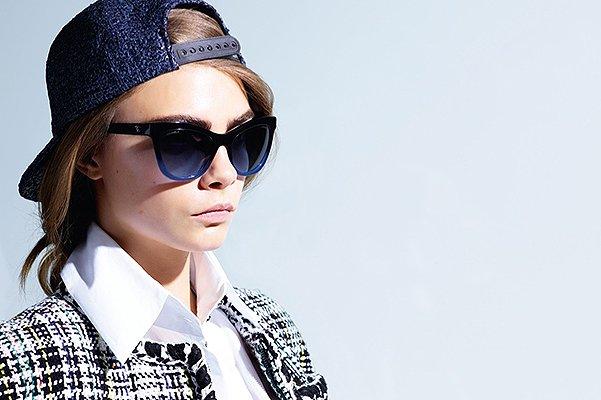 Кара Делевинь представила новую коллекцию очков Chanel