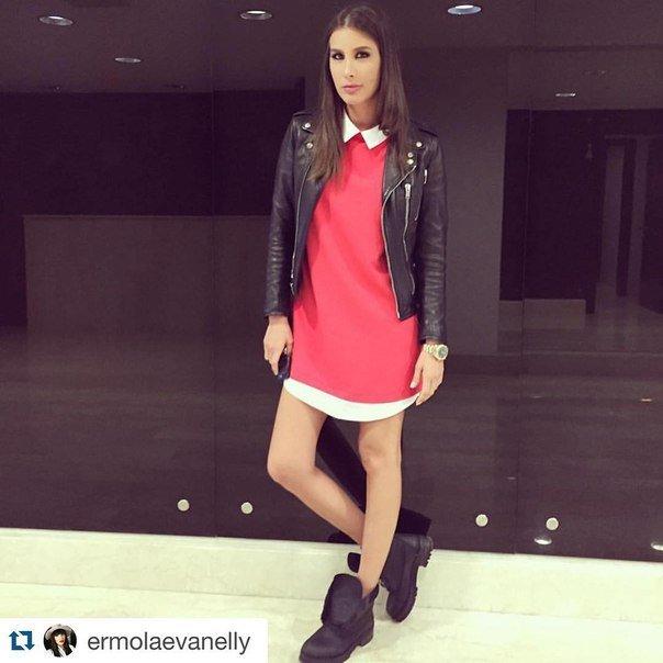 Яркая Кэти  Топурия  все чаще надевает платья собственного бренда