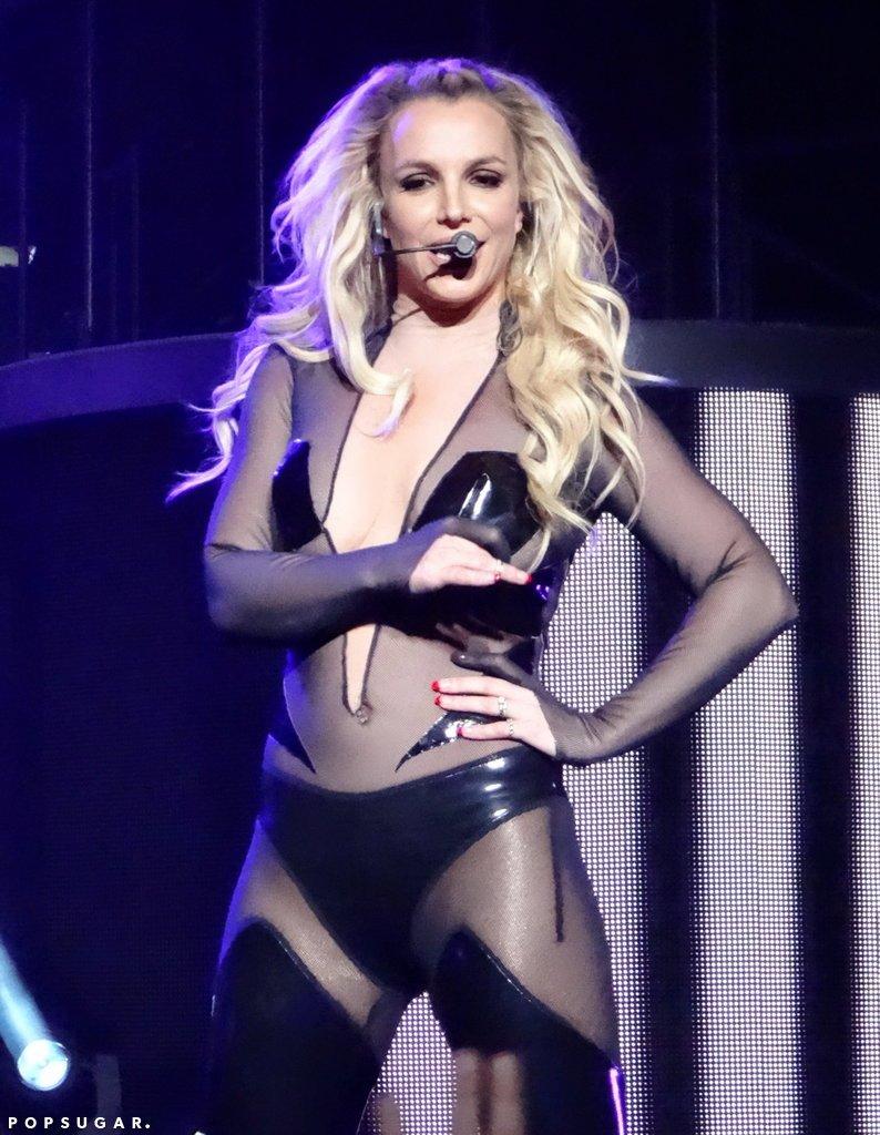Бритни Спирс показала идеальную фигуру в бикини