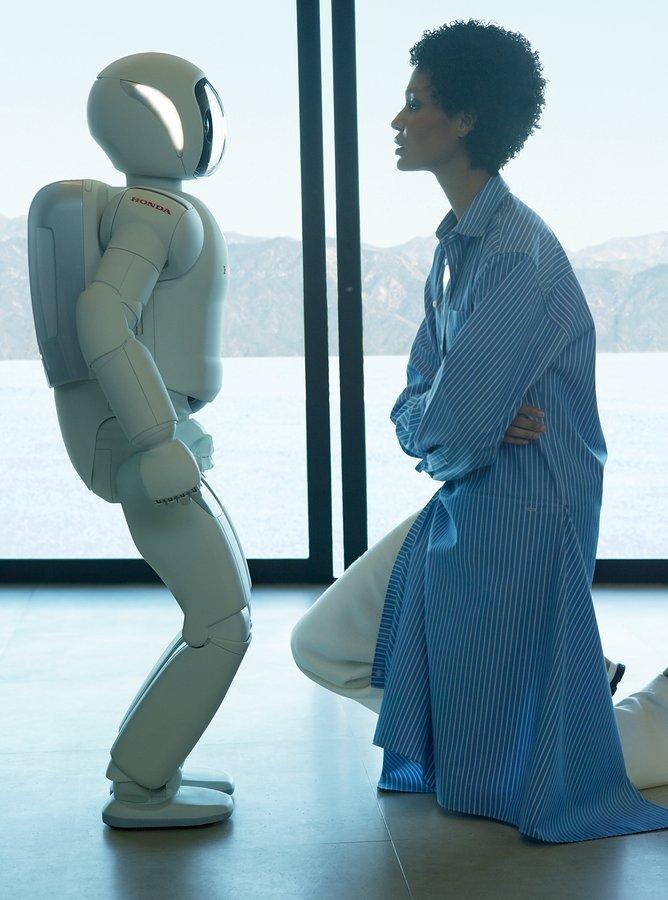 Николай Костер-Вальдау и Джоан Смоллс снялись для Vogue