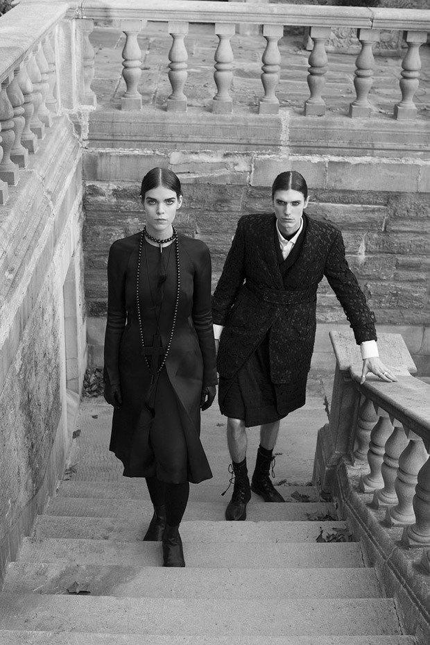 Жиневье ван Синус и Меган Коллисон в готическом фотосете для A Magazine